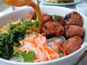 Muitos críticos consideram a cozinha vietnamita a melhor do mundo. (Goodmami / Creative Commons)